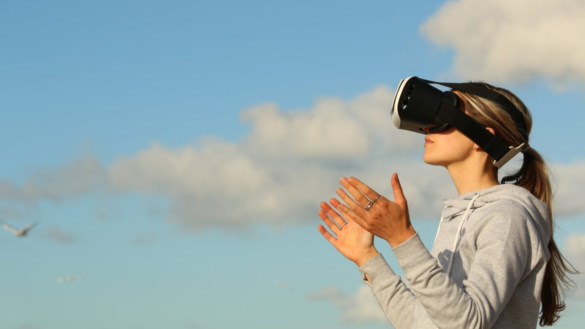 How are Virtual, Augmented and Extended Reality different?