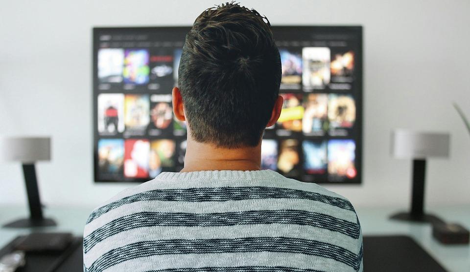 Streaming Flixanity in Big Screen