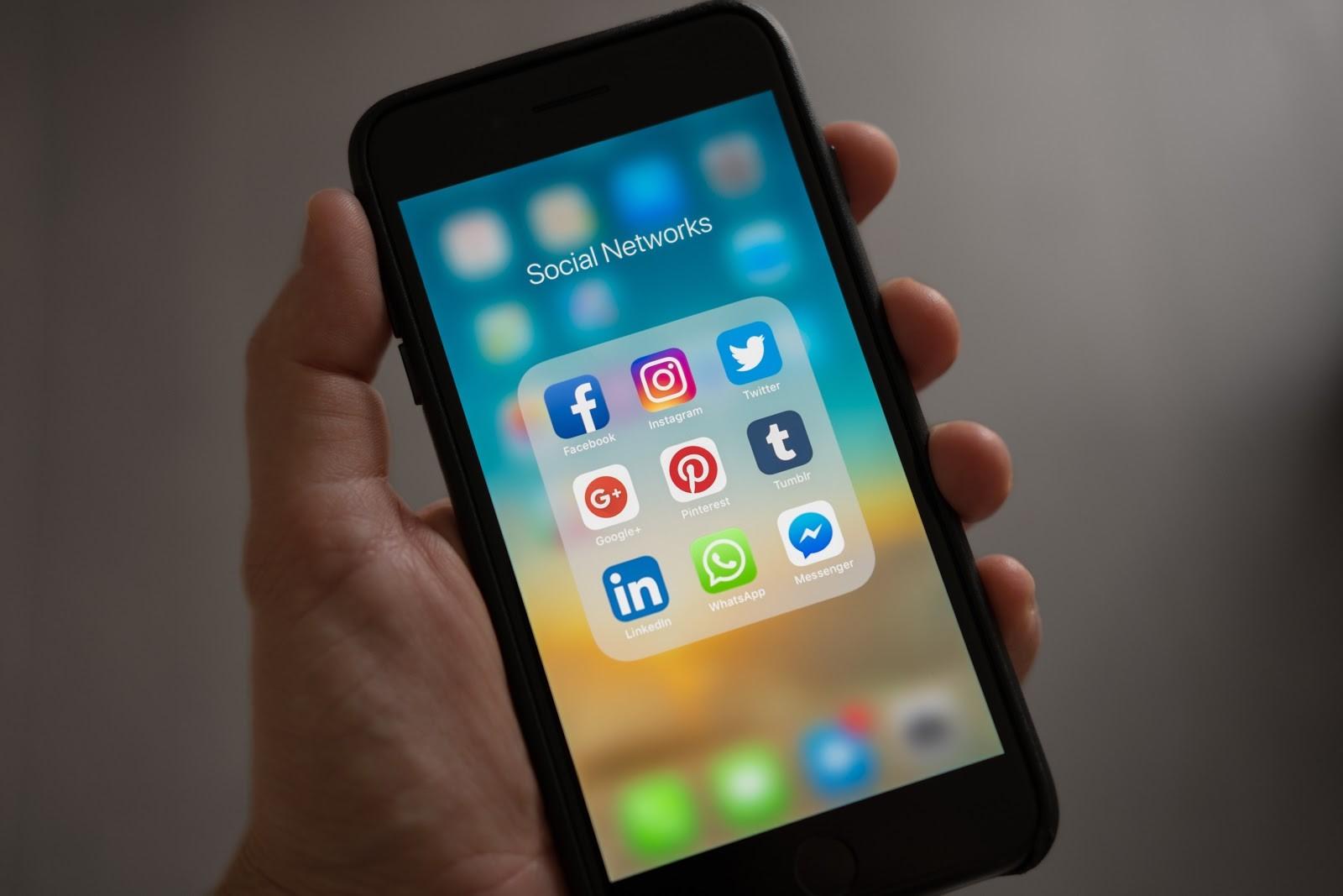 4 Social Media