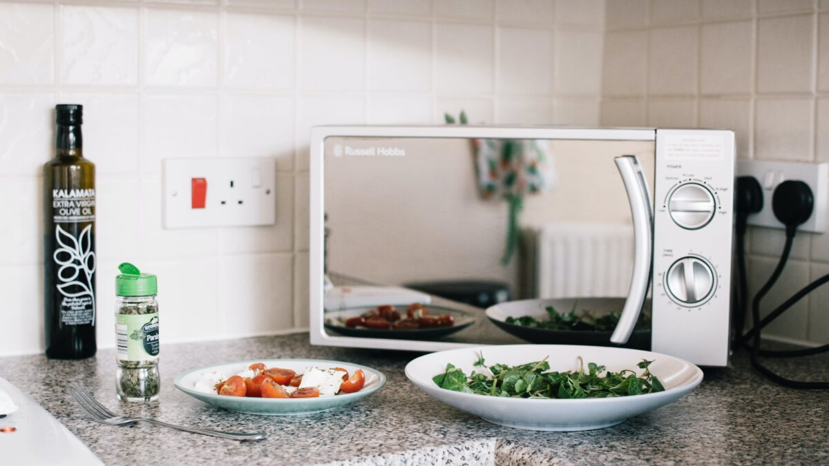 How to Choose the Best Microwave for Your Kitchen?