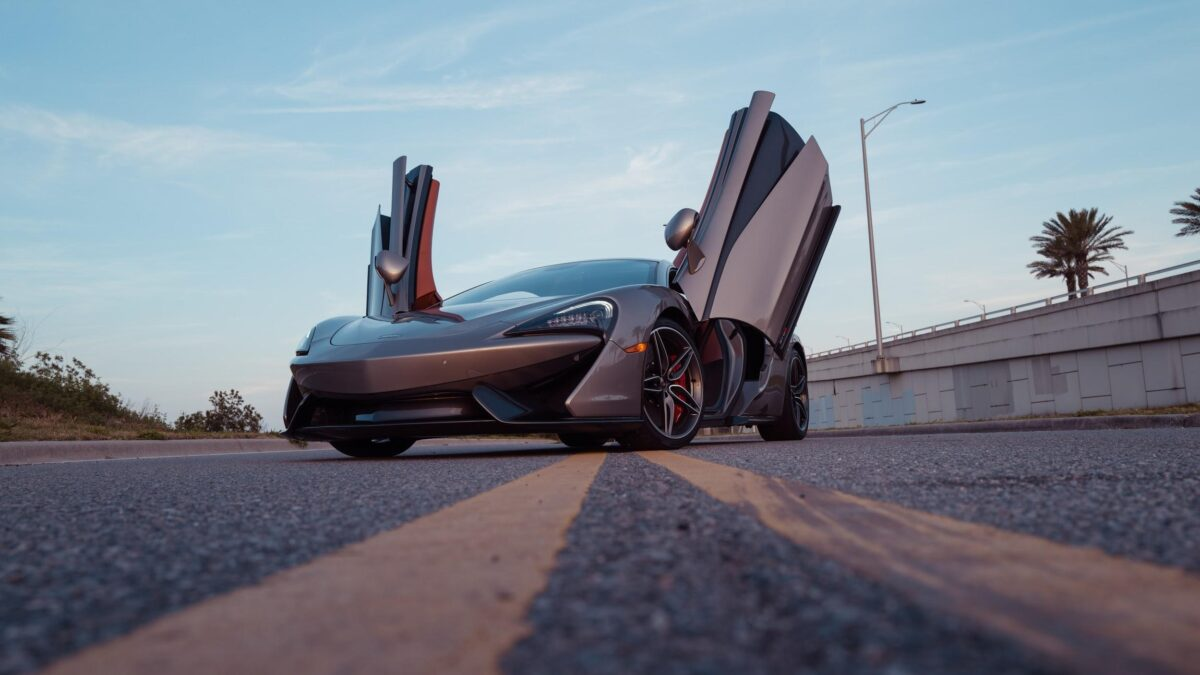 Rent an Exotic Car to Drive in Dubai