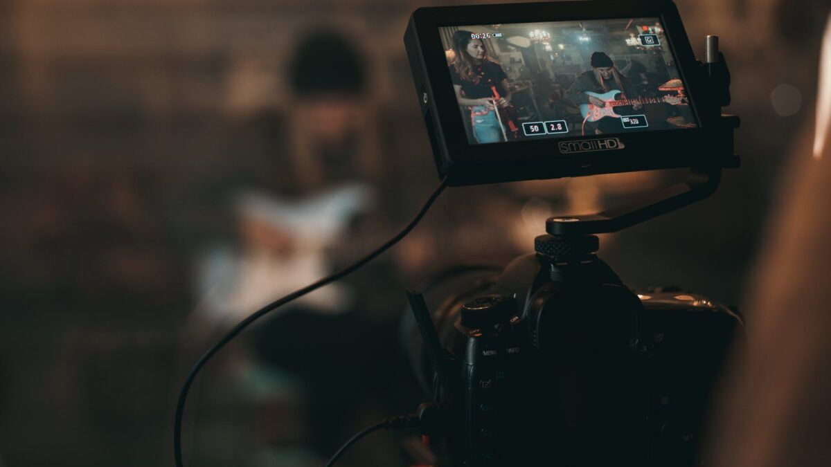 How To Select The Right Video Production Company For Your Business?