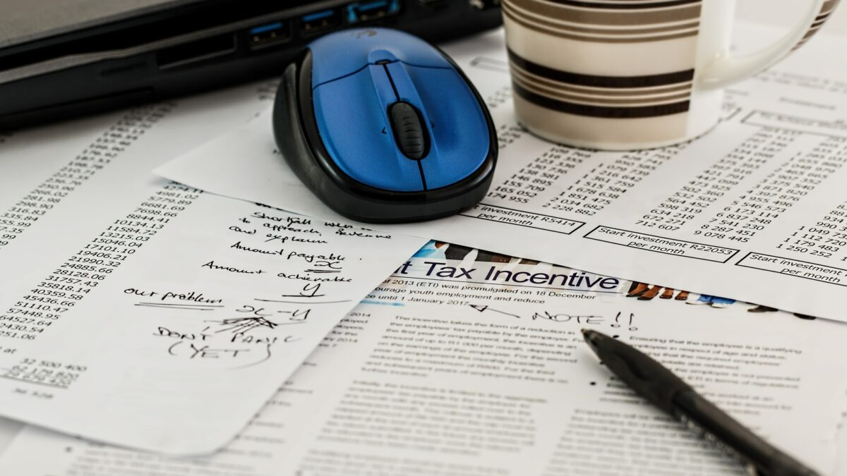 How Electronic Signature Solutions Streamline and Simplify the Tax Filing Process