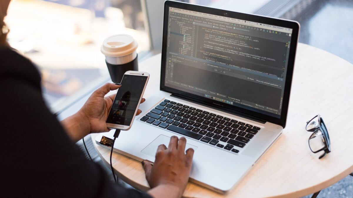 Is outsourcing Mobile App Development Beneficial?