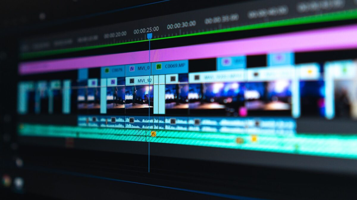 6 Editing Techniques to Create Impressive Videos (Even Without Experience)