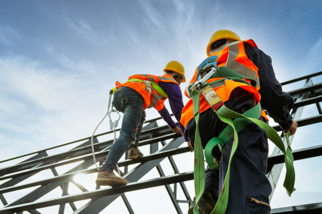 How to work safely on scaffolding?