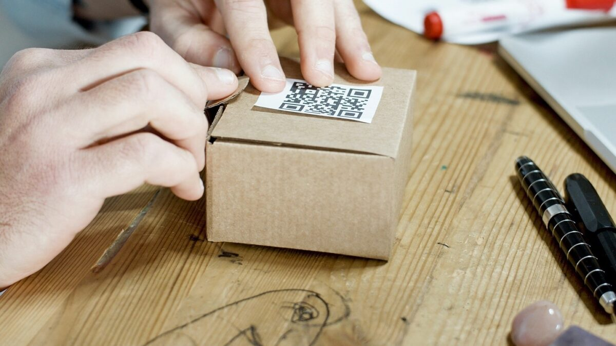 How do Small Online Sellers Adopt the use of QR Codes in their Business Operations?