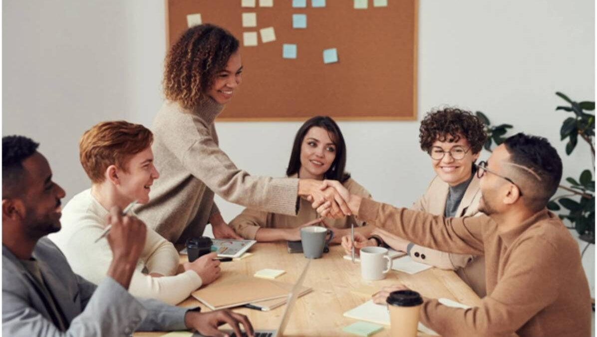 15 Employee Recognition & Rewards Ideas for Your Business